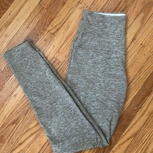 Beyond Yoga Caught in the Midi Leggings, size M